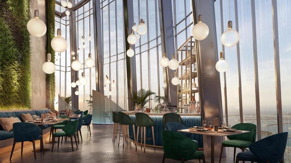 بالصور : أعلى فندق في العالم يفتح أبوابه في دبي 2023