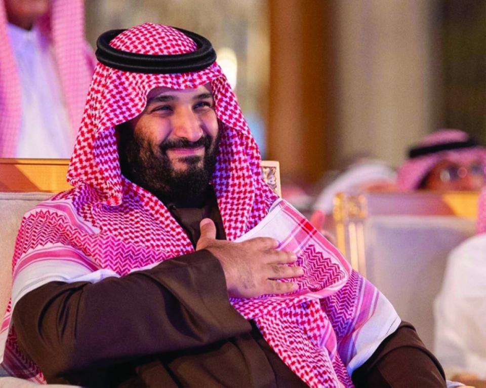السعوديون يشيدون بالأمير قارئ المستقبل بعد تحقق نبؤة سعر أرامكو