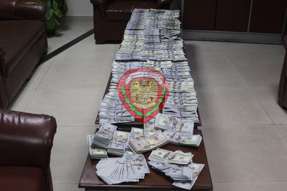 الشرطة تعيد مبلغ 145 ألف دولار لمواطن سوري بعد القبض على السارق