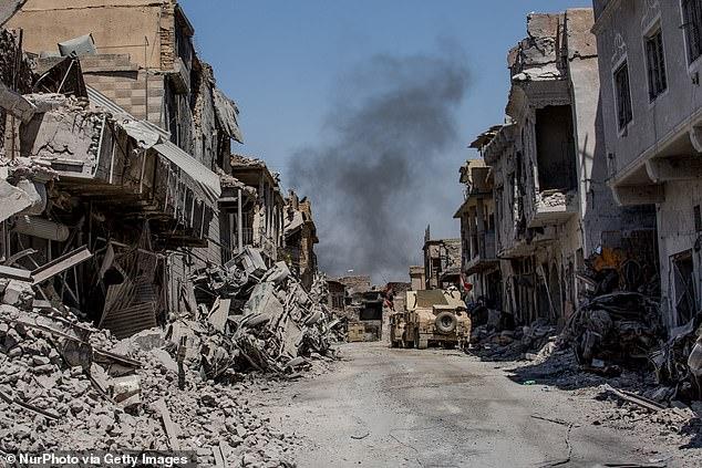 شاهد أخطر الجولات السياحية المميتة من بوابة الجحيم وحتى معقل داعش السابق