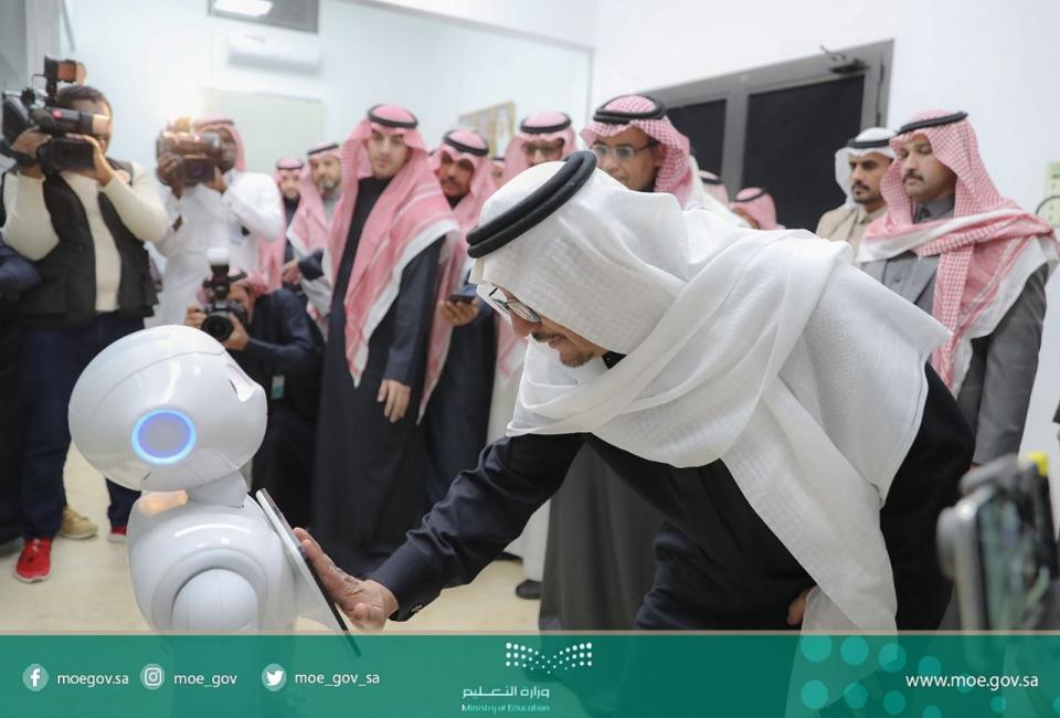 التعليم السعودية تتجه لتقليص دراسة بعض التخصصات إلى سنتين لخفض التكاليف