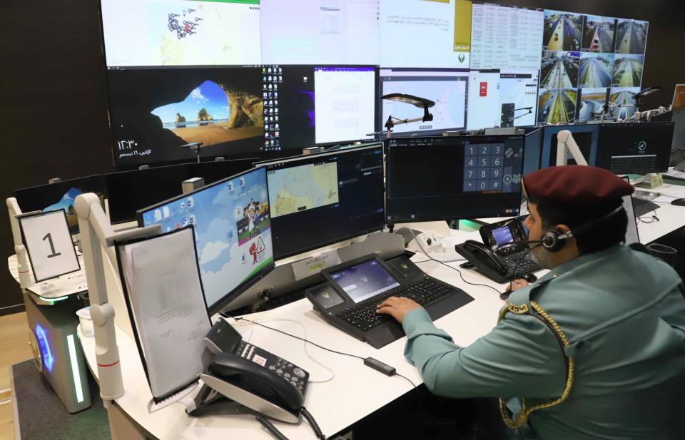 تطبيق «المراقبة الإلكترونية» على المحكومين بالإمارات قبل نهاية 2019