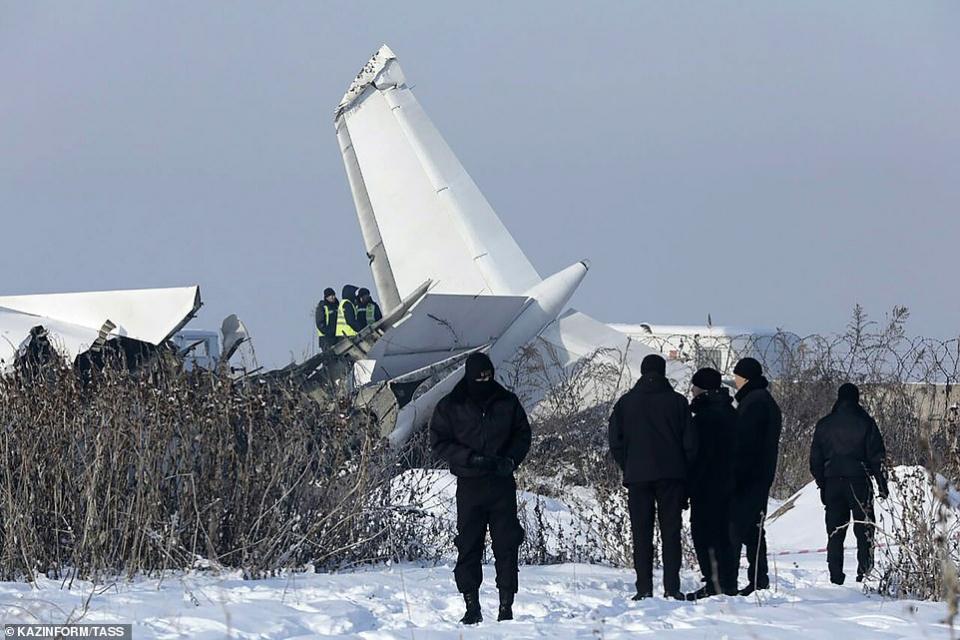 شاهد أضرار تحطم طائرة في كازاخستان بعد إقلاعها مباشرة