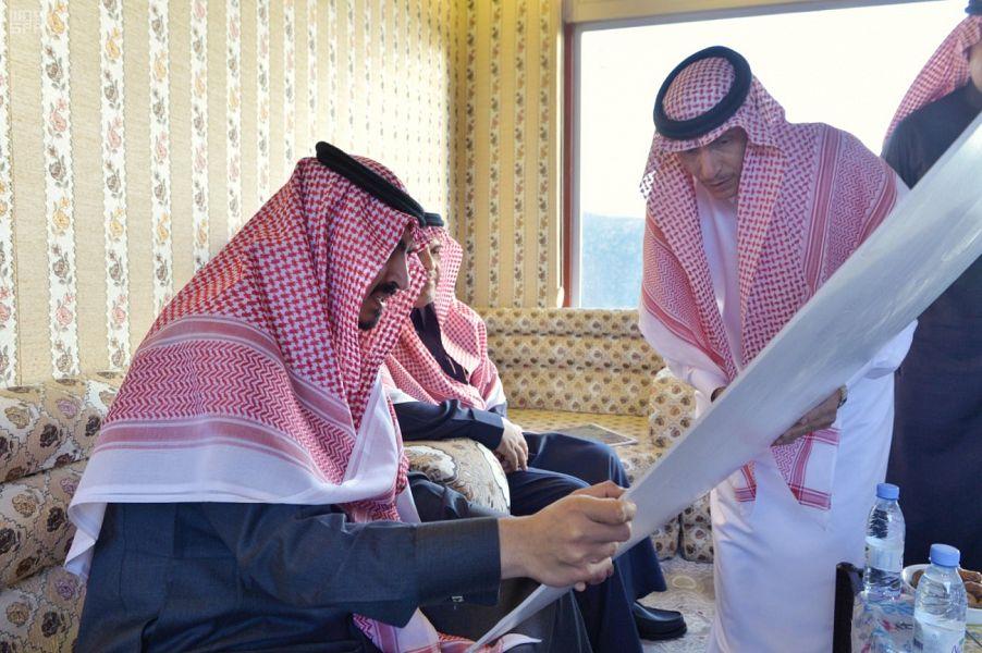 صور: أمير مكة يتفقد الهدا والشفا والشريط السياحي في محافظة الطائف