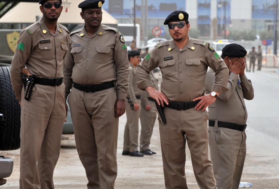 السعودية: توقيف موظفين بينهم مسؤولاً ورجال أعمال بتهم فساد