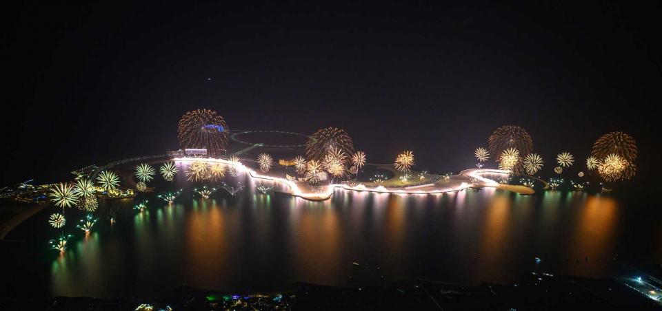 شاهد رأس الخيمة تبهر العالم باحتفالات رأس السنة الجديدة ورقم عالمي من جينيس