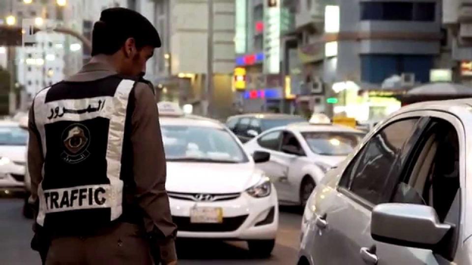 وزير الداخلية السعودي على اللائحة التنفيذية الجديدة لنظام المرور