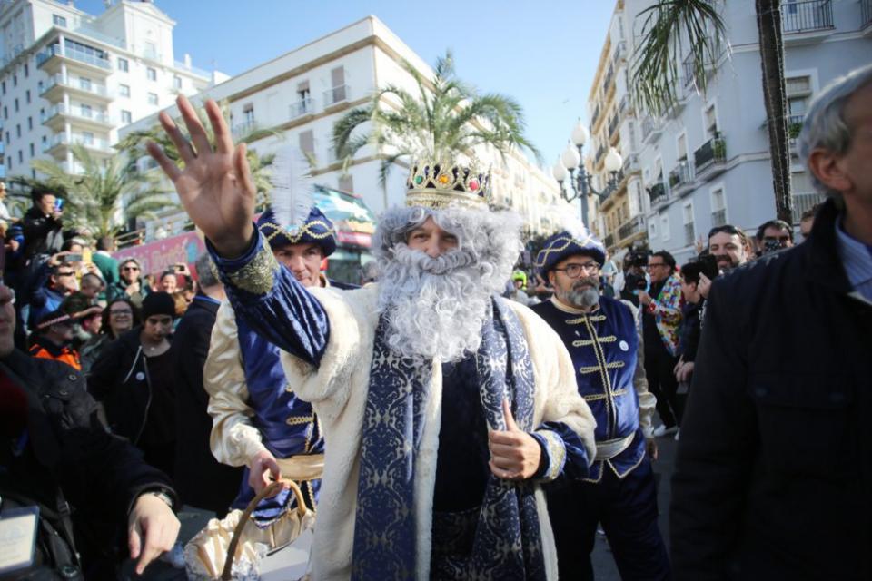 شاهد  احتفال الإسبان بعيد قدوم ملوك المجوس