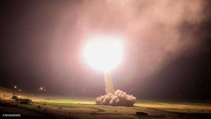 بالفيديو.. هجوم صاروخي إيراني على قاعدة جوية بالعراق تضم جنوداً أميركيين