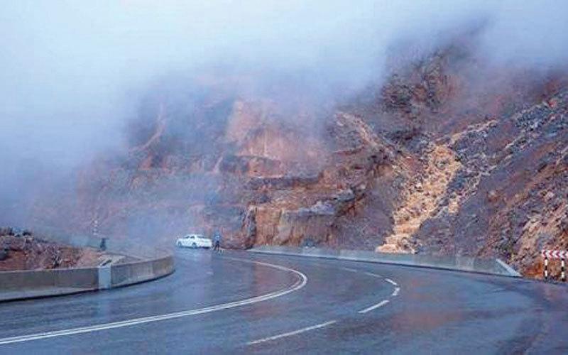 نظرا للتقلبات الجوية.. إغلاق الطريق إلى جبل جيس في رأس الخيمة