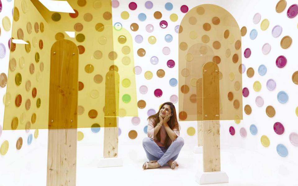 بالصور : أول متحف لصور السيلفي في دبي