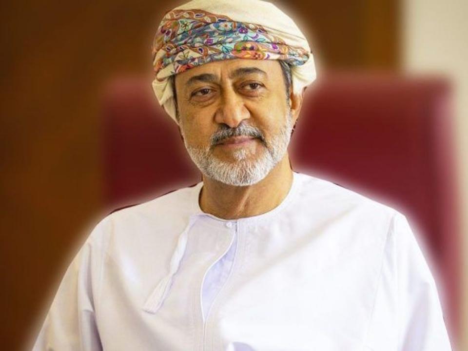 من هو سلطان عمان الجديد هيثم بن طارق آل سعيد
