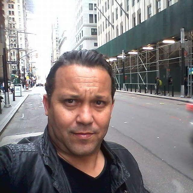 """الكاتب الجزائري فيصل الأحمر.. وأدب السيرة الذاتية في """"خزانة الأسرار"""""""