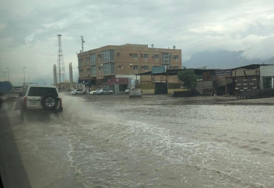 بالصور : أمطار غير مسبوقة في الإمارات
