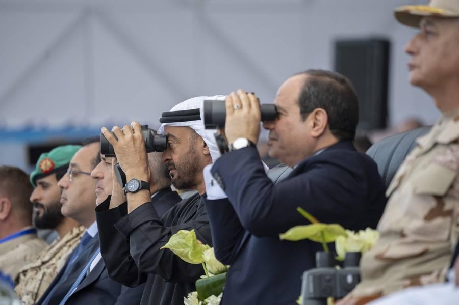محمد بن زايد يشهد افتتاح أكبر قاعدة عسكرية مصرية بالبحر الأحمر