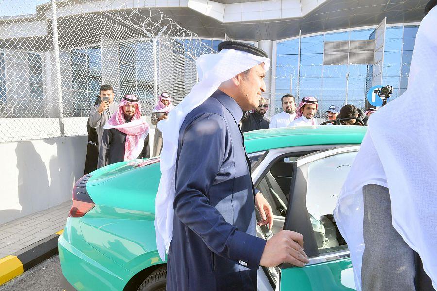 صور: الرياض تدشن سيارات أجرة المطار والأجرة العامة بهويتها الجديدة
