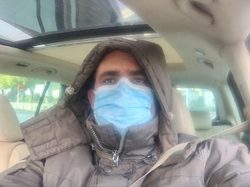 شبان سعوديون وعرب يهبون للتطوع لمكافحة فيروس كورونا في مدينة وهان الصينية