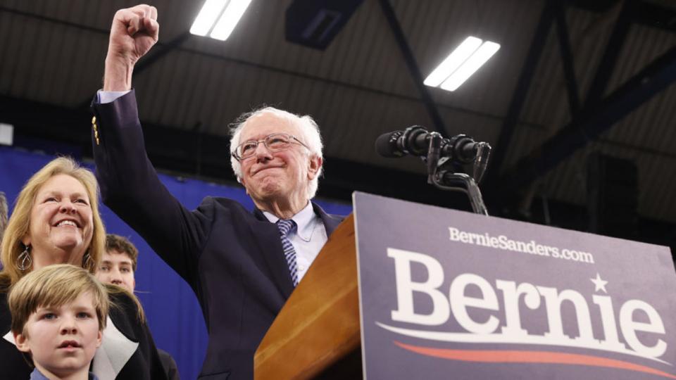فوز بيرني ساندرز يعده لمواجهة دونالد ترامب في انتخابات الرئاسة الأمريكية في نوفمبر