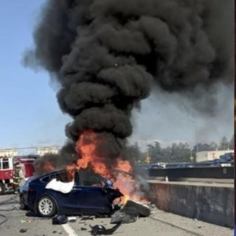مقتل مهندس بشركة أبل بعد تحطم سيارة تسلا بميزة القيادة الذاتية