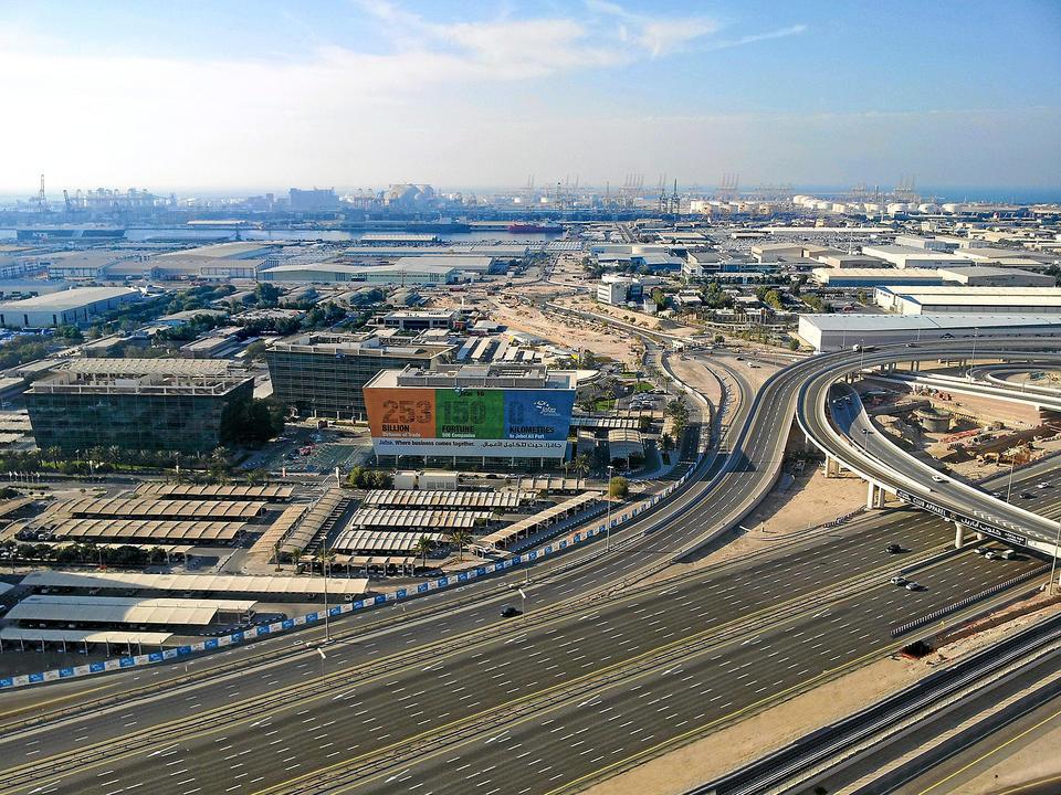 موانئ دبي العالمية تنسحب من بورصة ناسداك دبي وتعود إلى الملكية الخاصة