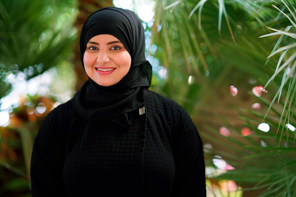 تكريم الإماراتية منى الحبسي لمساهماتها المتميزة في قطاع الضيافة