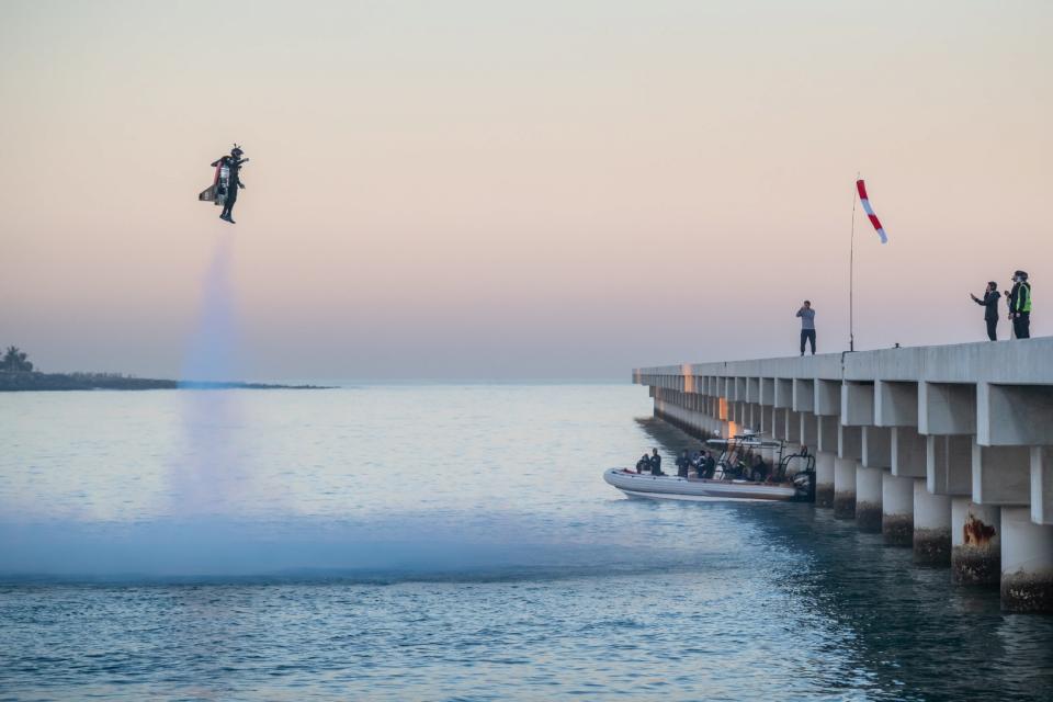 """شاهد إكسبو 2020 دبي يقدم للعالم مشروع """"الطيران البشري"""""""