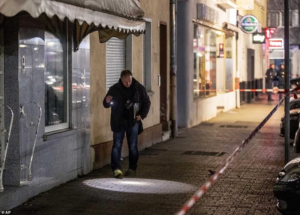 شاهد اعتقال مشتبه به في هجوم على مقاه عربية في ألمانيا