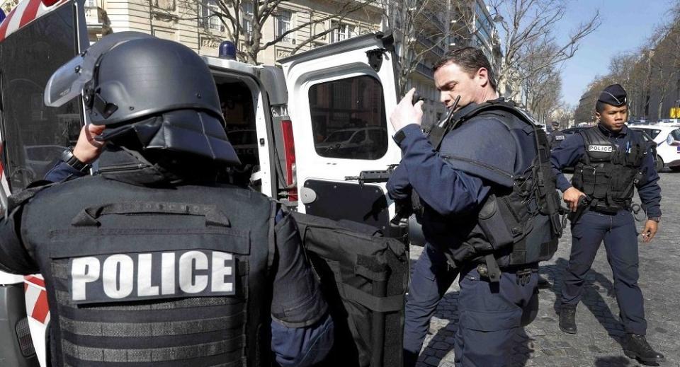 فرنسا: الإطاحة بأشقاء أسسوا عصابة من 100 طفل ينحدرون من دول عربية