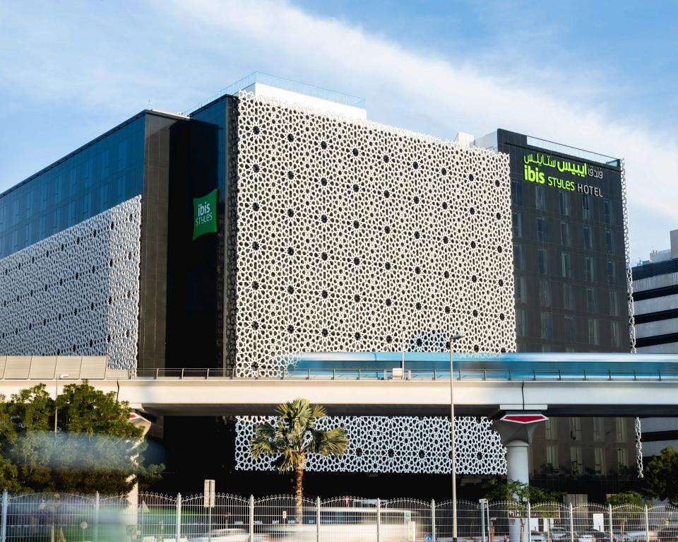 أكور للفنادق تفتتح ثالث فندق لإيبيس ستايلز في دبي