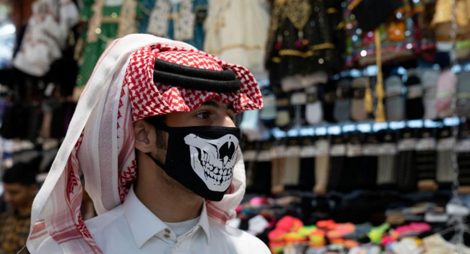 ارتفاع أسعار الكمامات في السعودية بنسب كبيرة بالاستفادة من المخاوف غير المبررة