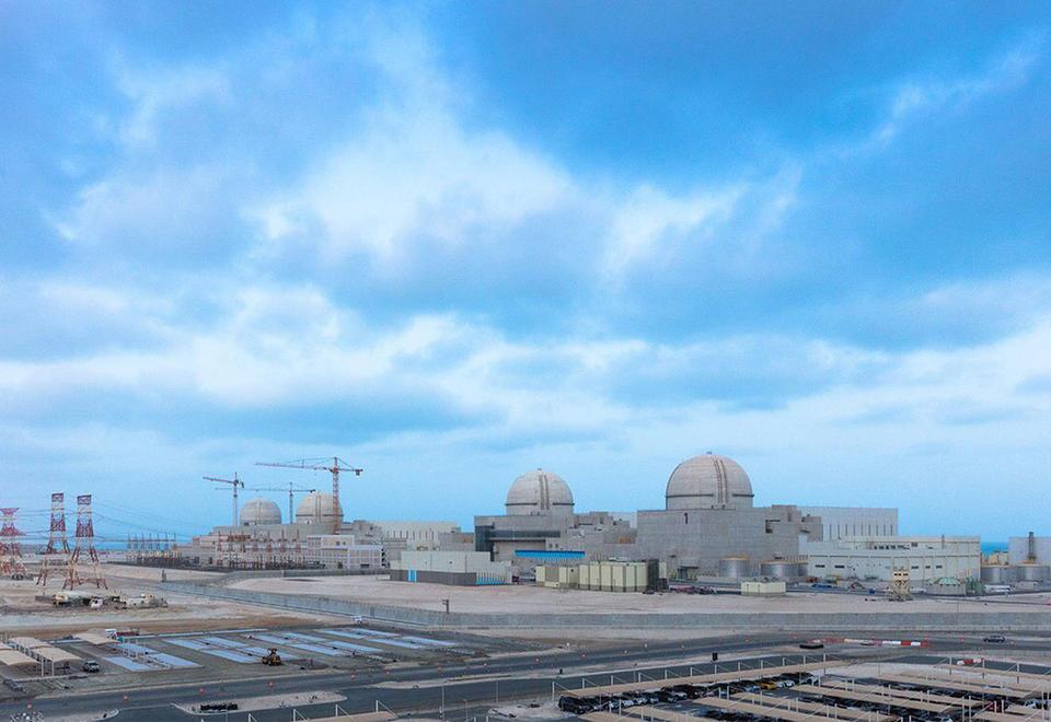 الإمارات: استكمال تحميل الوقود النووي في مفاعل المحطة الأولى لبراكة استعدادا لتشغيله