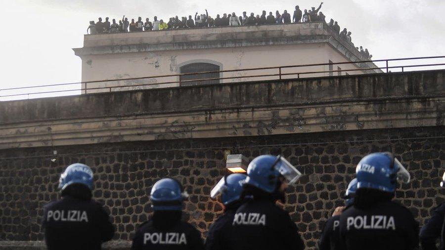 شاهد إيطاليا بكاملها تبدأ بالحجر الصحي للجميع