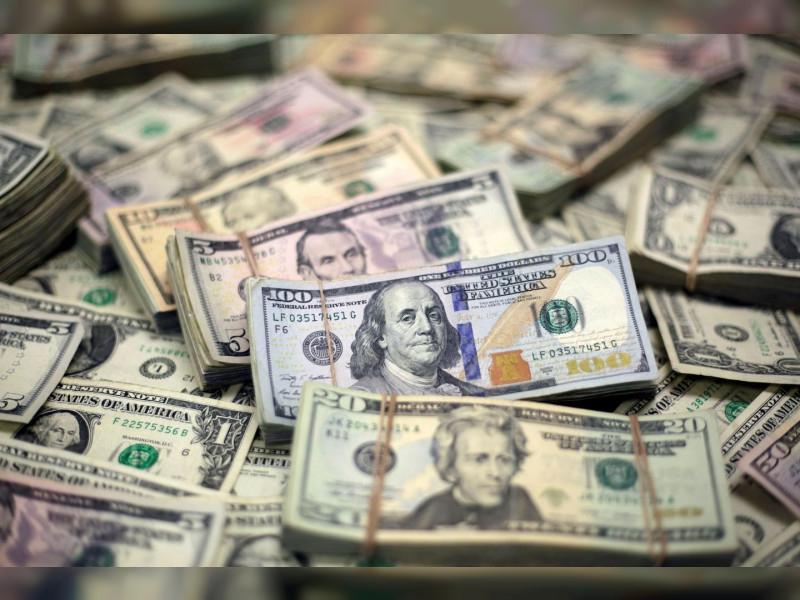 الدولار الأمريكي يقفز إلى أعلى مستوياته في 3 سنوات بسبب كورونا