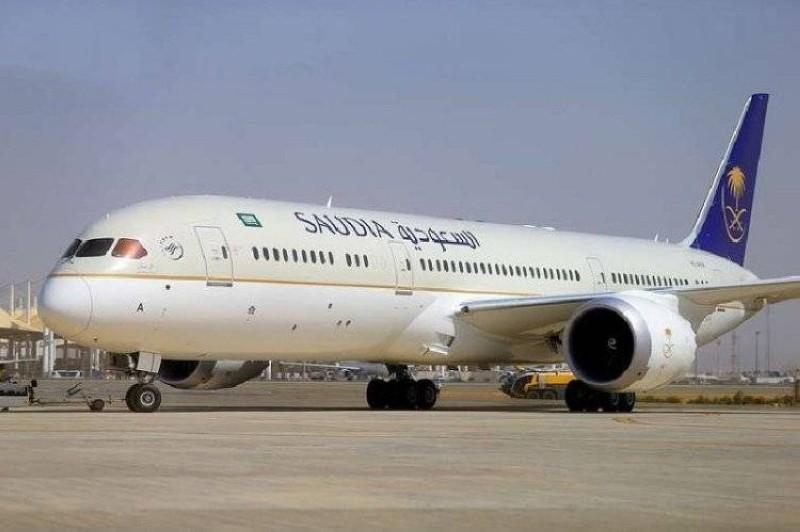 السعودية توقف الرحلات الداخلية والحافلات وسيارات الأجرة لـ 14 يوماً بدءا من السبت