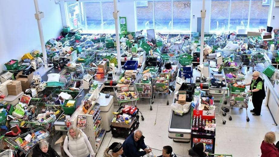كورونا تسبب هلع التسوق في جميع أنحاء العالم