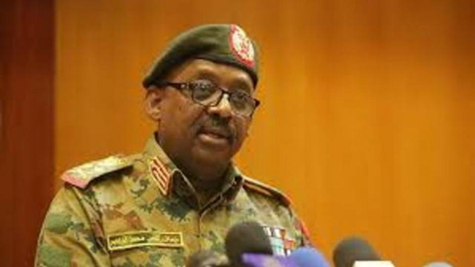 وفاة وزير الدفاع السوداني بذبحة صدرية في جنوب السودان