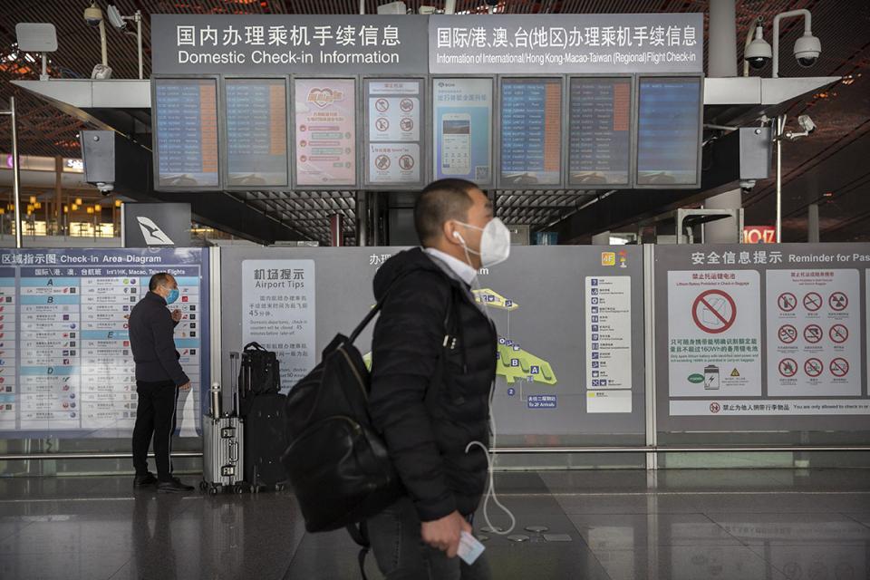 الصين تغلق حدودها أمام الأجانب والمقيمين لتفادي موجة ثانية من فيروس كورونا المستجد