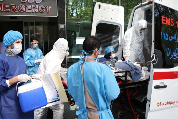 في إيران والولايات المتحدة، أخبار فيروس كورونا الكاذبة وراء موت  المئات ودخول الآلاف إلى المستشفى