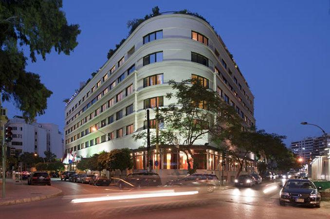 فيروس كورونا المستجد يغلق فندقا لم تغلقه الحرب الأهلية في لبنان