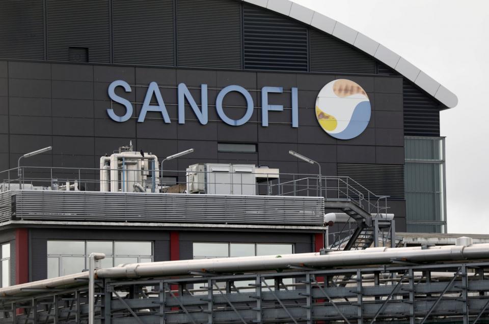 استنكار فرنسي لإعلان شركة سانوفي منح الولايات المتحدة أولوية الحصول على لقاح كورونا