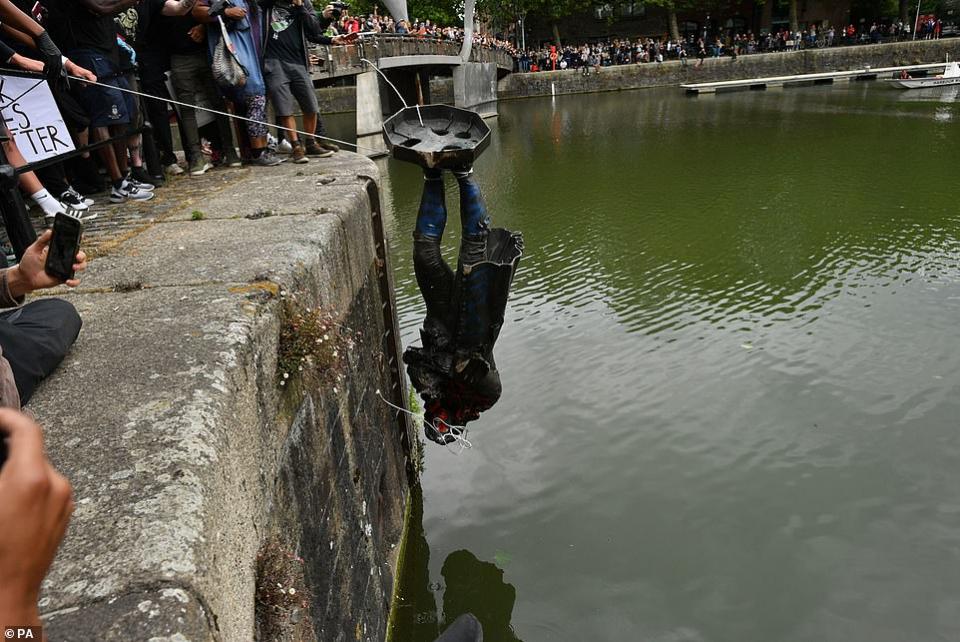 مقتل جورج فلويد يدفع بتغييرات حول العالم، إصدار قوانين وسقوط تماثيل في بلجيكا وبريطانيا والولايات المتحدة