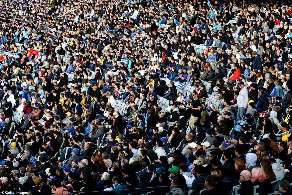 شاهد حشود جماهير نيوزيلندا في مباراة  رياضية بعد هزيمة كورونا المستجد