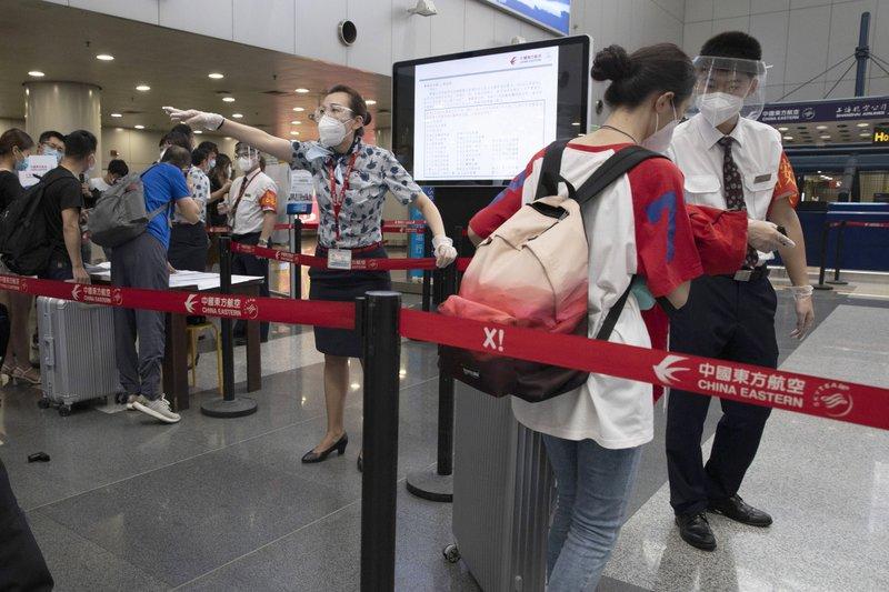 الصين تستنفر بإجراءات عسكرية و تلغي رحلات طيران تجاري بعد تصاعد الإصابات بفيروس كورونا المستجد