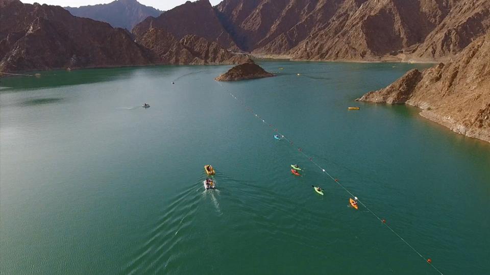 استئناف الرياضات والألعاب البحرية في دبي والبداية من البحر وسد حتا