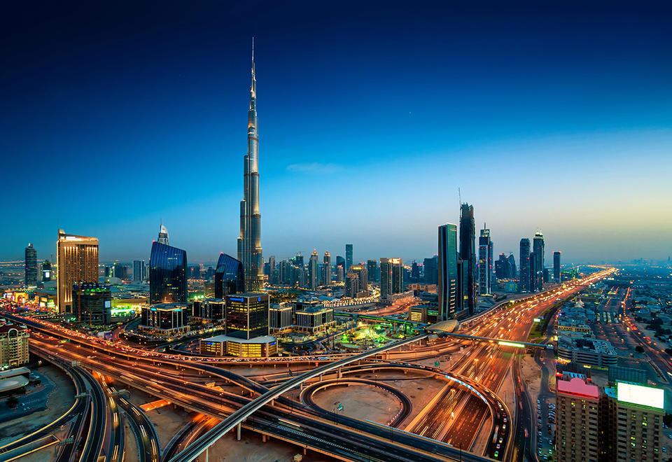 دبي: أكثر من 3 ملايين درهم إماراتي حصل عليها كل مسؤول تنفيذي من الرواتب والمكافآت في عام 2019