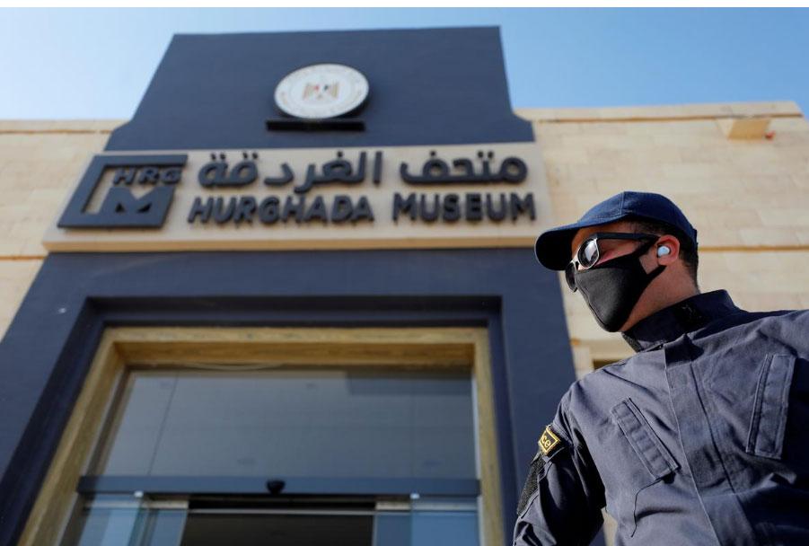 إصابات كورونا في مصر تتجاوز 50 ألفا والوفيات تقترب من ألفين