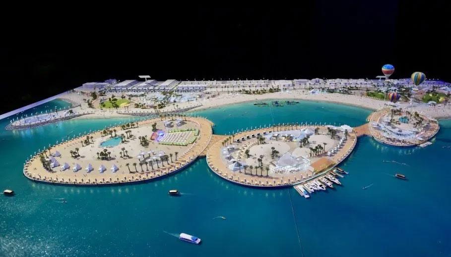 دبي تشيّد جزرا عائمة في مشروع شاطئي جديد