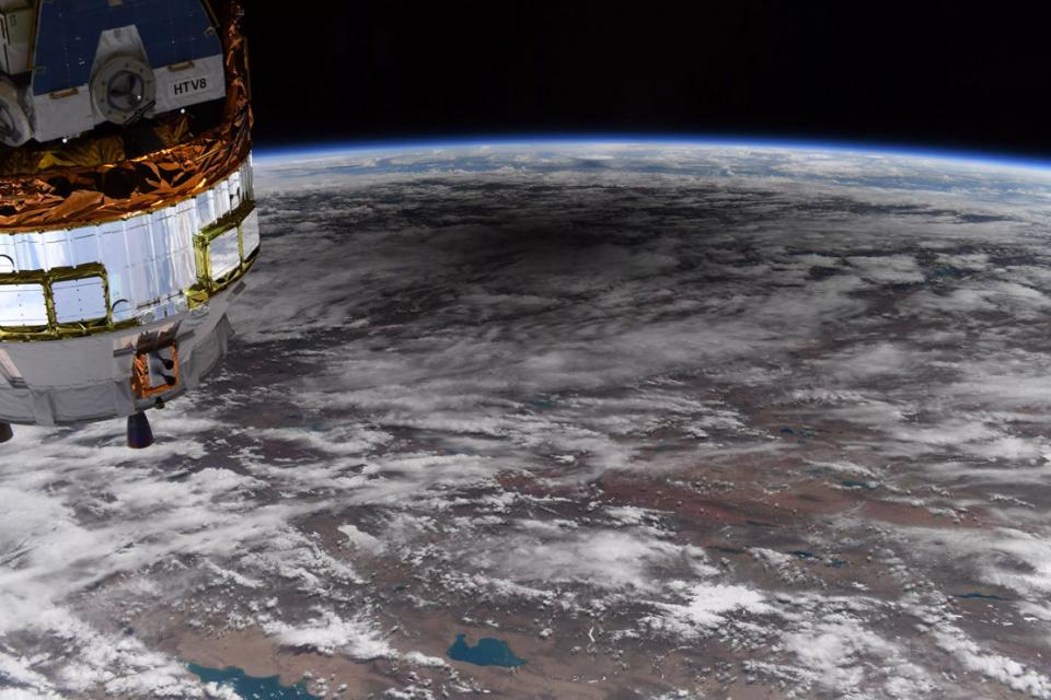 شاهد لقطات للكسوف الحلقي من الفضاء مع ناسا