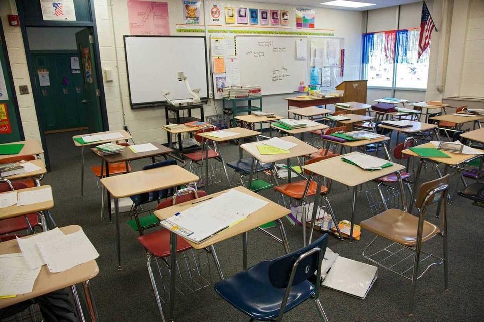 دبي: عودة المدارس مع بداية العام الدراسي 2020 -2012