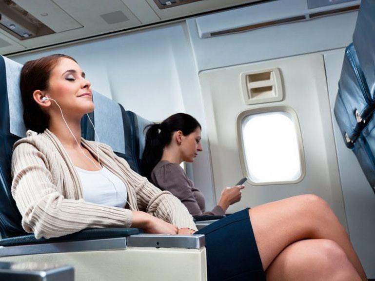 مسؤول في بوينغ: إلغاء المقاعد المتوسطة على الطائرات كإجراء للتباعد الاجتماعي غير ضروري